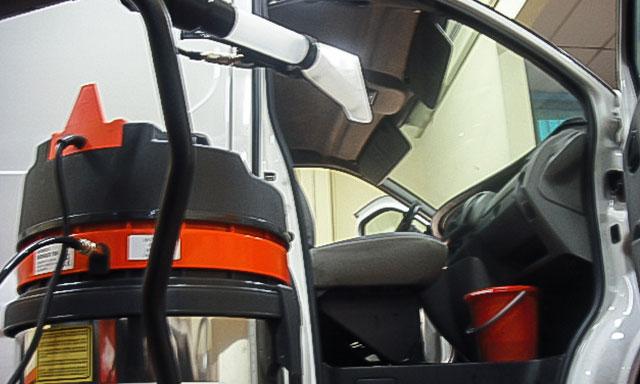 pulizia-interni-veicolo